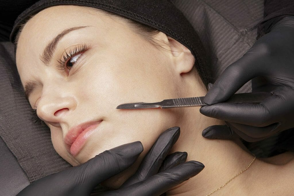 Woman receiving Dermaplaning Treatment in Lemont, Illinois at Solana Aesthetics and Wellness Spa